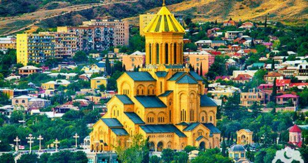 الكنائس الجميلة والقديمة