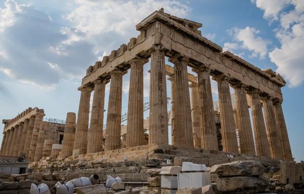 لا ترتدي الكعب العالي في المواقع الأثرية