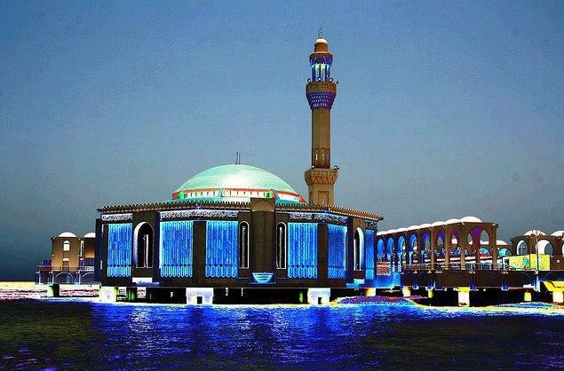 المسجد العائم بجدة