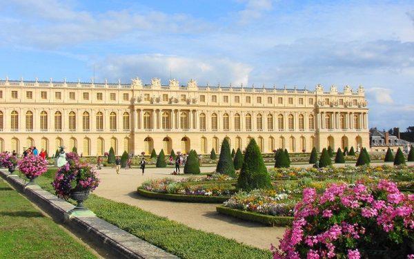 الأنشطة السياحية في جولة في قصر فرساي