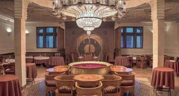 مطعم الفندق السياحي