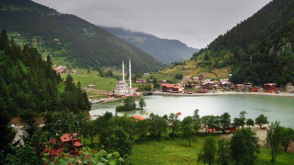 بحيرة اوزنجول e1579699825879 - السياحة في بحيرة اوزنجول بتركيا