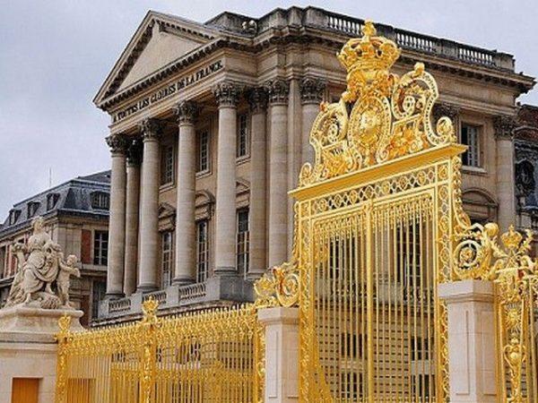 معلومات تاريخية عن قصر فرساي
