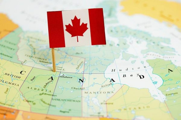 مميزات اللجوء إلى كندا