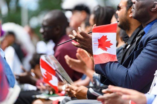 تقديم طلب اللجوء الانساني على الحدود الكندية