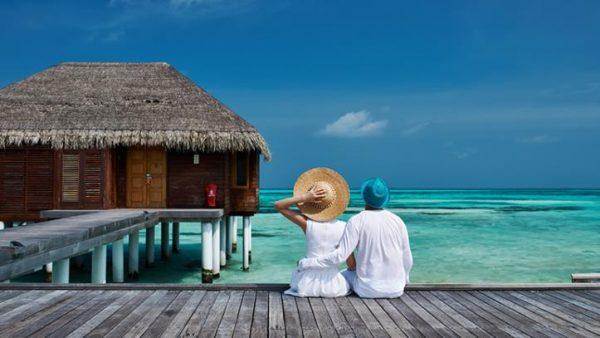 تكلفة الخدمات السياحية لفردين في المالديف