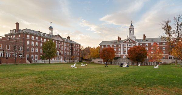 شروط القبول في جامعة هارفارد الامريكية وتكلفة الدراسة بها